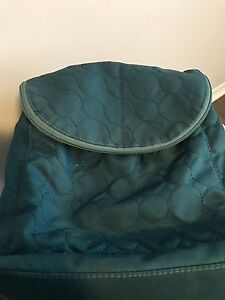Cross body purse with lots of pockets