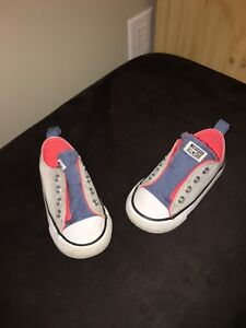 Converse toddler size 6 shoes