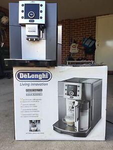 DeLonghi Coffee and Cappuccino Maker (ESAM5500) Eden Hill Bassendean Area Preview