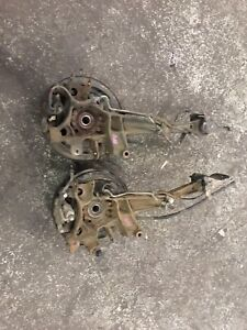Subaru Legacy 1998/2004 rear knuckles and hub assembly