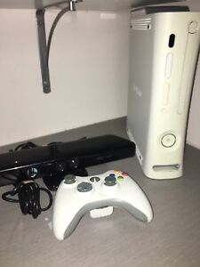 Xbox 360 with controller and Kinect