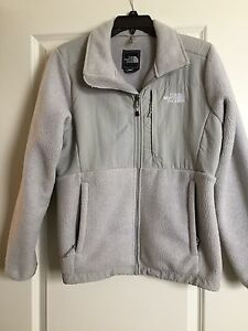 North face Women's Denali fleece