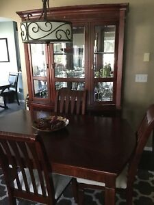 Dining room table and 2 piece hutch