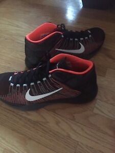 Nike zoom ascention size 12