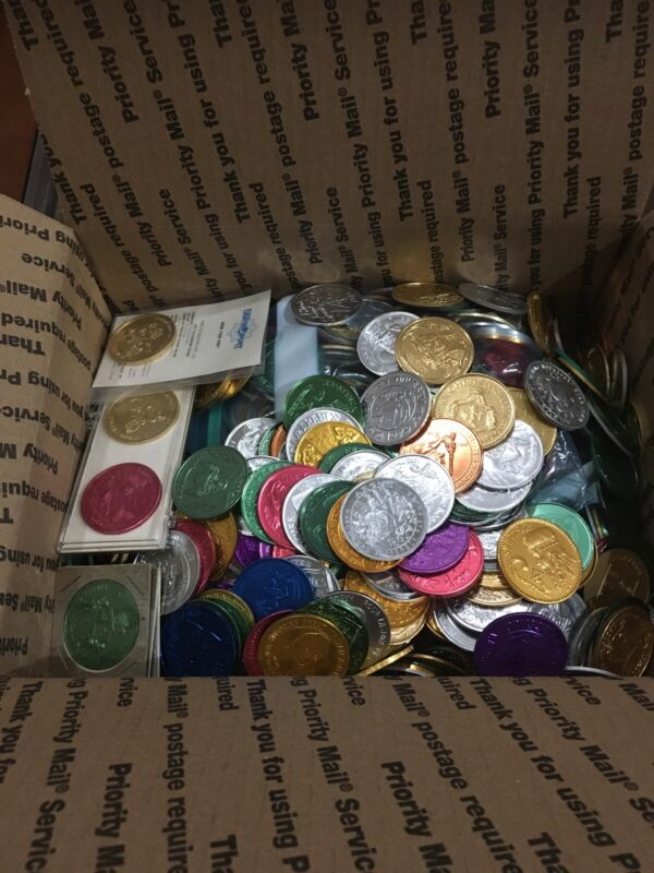 LOT OF 1,200 ASSORTED NEW ORLEANS MARDI GRAS PARADE DOUBLOONS 1960