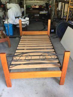 King single pine bed
