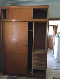 Wooden wardrobe: pick up saturday