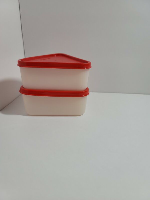 New TUPPERWARE Pie Wedge Keeper RED Sheer QUICHE Cheesecake FREE SHIP Set of 2