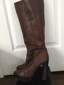 MICHAEL KORS Dark Brown Leather Platform Boots sz. 9/39