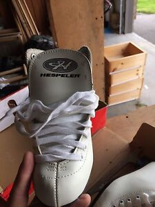 Brand new size 1 figure skates