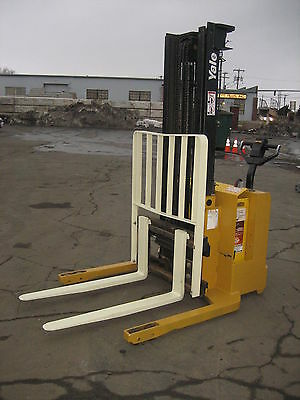 2001 Yale Walk Behind Elec. Forklift 3000lb Cap. 128 Lift Side Shift 12v Wchgr
