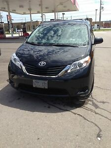 Toyota sienna 8 passenger for sale back camera and Bluetooth