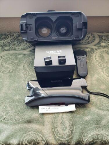 Samsung SM-R324 Gear VR with Controller