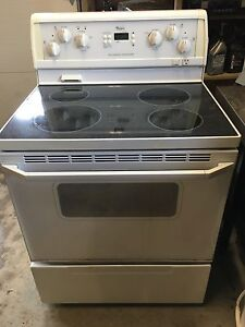 Whirlpool self cleaning oven - $75 if pickup today