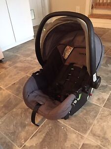 Safety 1st carseat and base