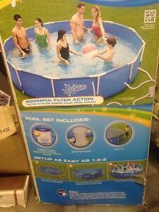 Pool 12ft round above ground Woodridge Logan Area Preview