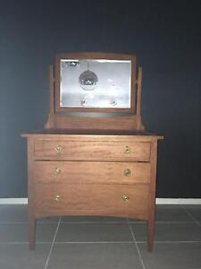 dressing table Shellharbour Area Preview