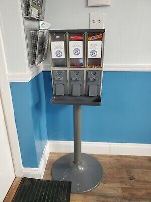 Vendstar 3000 Refurbished Vending Machine With Keyed-alike Locks And Keys