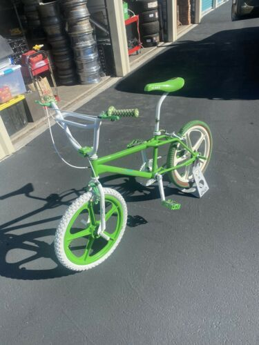 OLD SCHOOL BMX 1985 SKYWAY STREET BEAT Freestyle Bike Orig Paint NOS Parts (3200 USD)