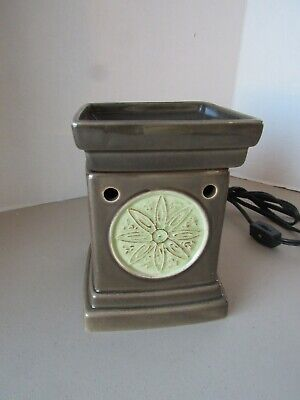 Scentsy Lotus Flower Green Full Size Deluxe Wax Warmer Retired P014 Discontinued