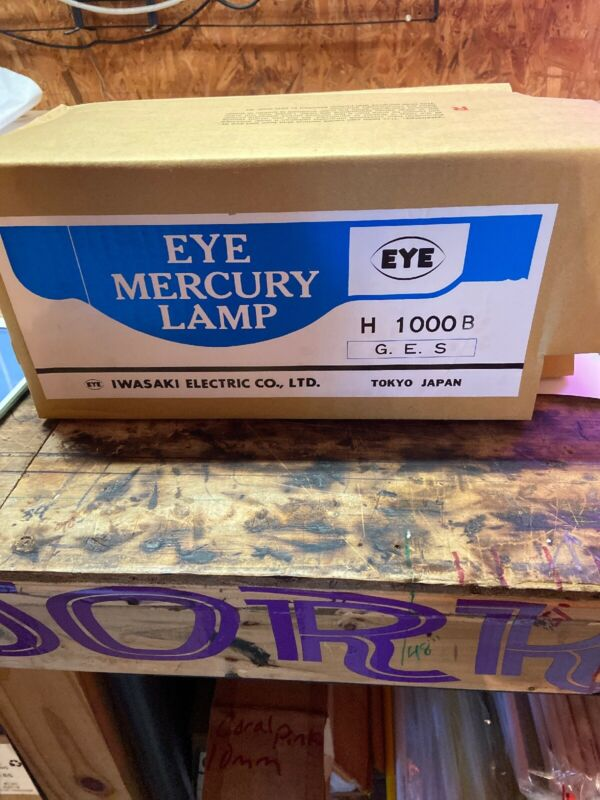 1000 Watt Mercury Vapor EYE  Lamp New Old Stock