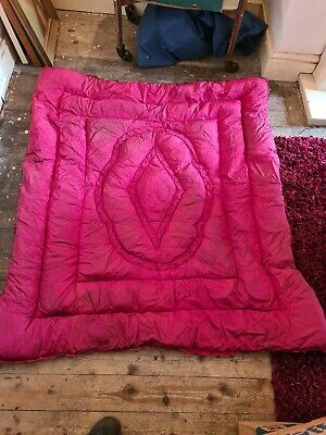 Vintage Pink / Red  Eiderdown 1940's/50's Single Bed Down