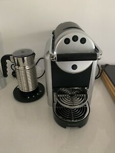 Nespresso Zenius coffee machine, milk frother, coffee pods ...