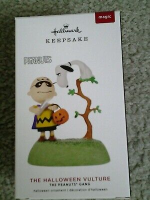 SNOOPY as VULTURE & CHARLIE BROWN Hallmark 2019 Halloween Peanuts Ornament MINT!