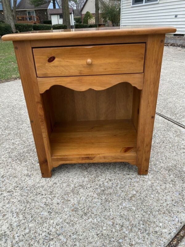 Ethan Allen Country Craftsman Nightstand