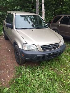 2000 crv for parts . Parts only