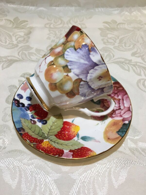 Vintage DUCHESS Tea/Coffee Cup and Saucer
