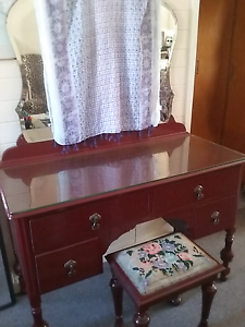 Old dressing table & stool Renmark Renmark Paringa Preview