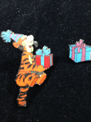 Disney Tigger Birthday Presents 2 Pins Pin Set