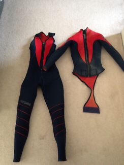 Women's 4mm two piece wetsuit fit size 8-10 Yanchep Wanneroo Area Preview