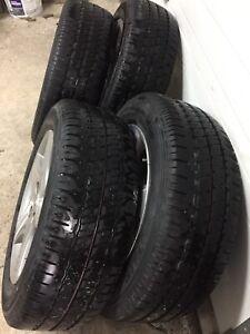 4 pneus d'été bridgstone 195/60/15 avec mags original honda