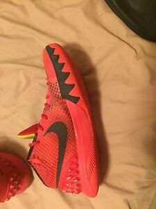Size 6 1/2 Kyrie 1s