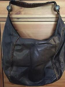 Oroton Handbag $80 Albany Creek Brisbane North East Preview