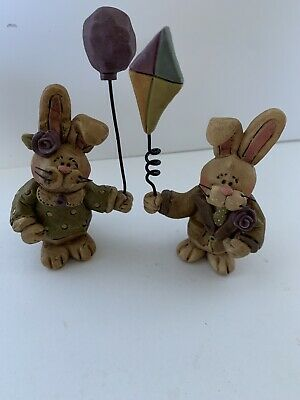 Set Of 2 Original Suzi Easter Bunny Him And Her Figurines Kite Balloon Signed