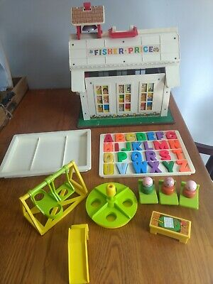 Vintage FISHER PRICE Little People PLAY FAMILY SCHOOL HOUSE and Accessories 923