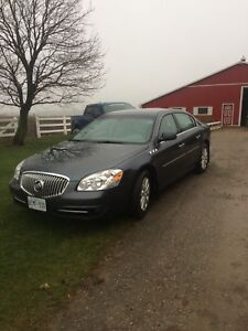 Buick lucerne with only 45000 kms mint !!