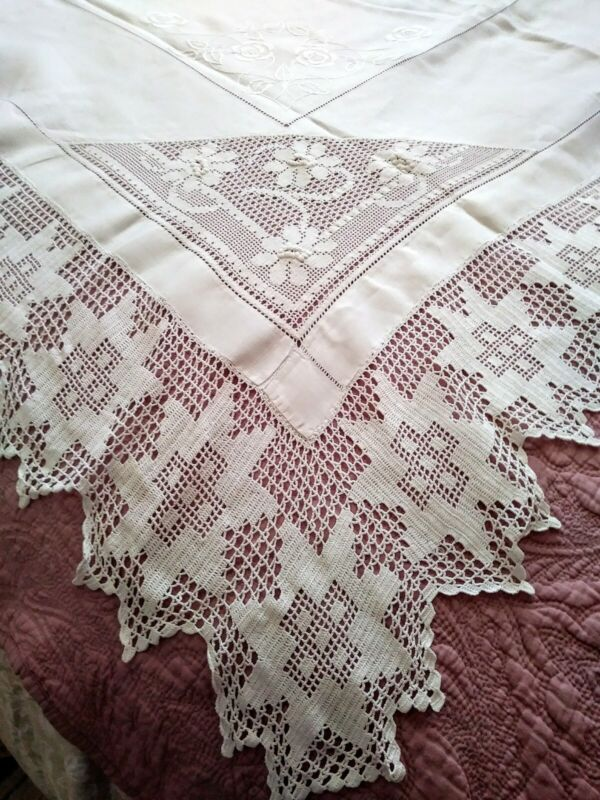 """Fantastic Hemstched Linen & Irish Crochet Lace Embroidered Tablecloth 64.5""""x61.5"""