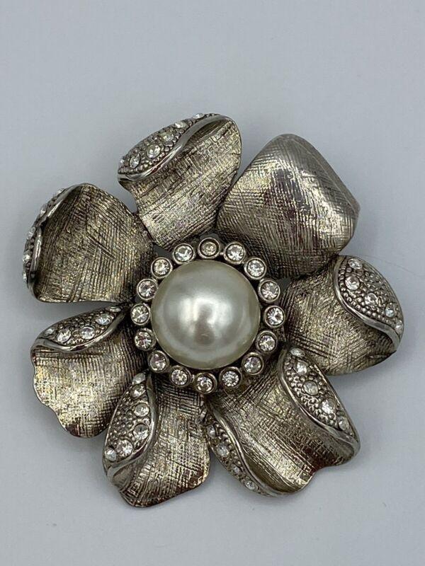 Beautiful Vintage Flower Faux Pearl Clear & Rhinestone Silver Tone Pin Brooch