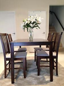 Beautiful Dining Table and Chairs Set Bexley North Rockdale Area Preview
