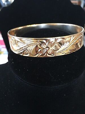 - Gold Hamilton Gold Hawaiian Design 15 mm Gold Bangle Bracelet, Size 8
