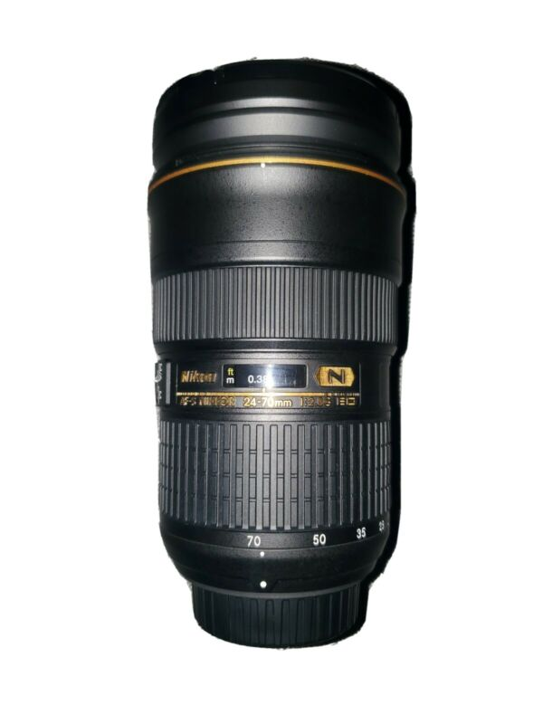 Nikon NIKKOR 24-70mm f/2.8 Used in Mint Condition