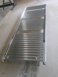 HYDRONIC HEATED TOWEL RAIL