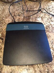 LINKSYS EA2700 N600 DUAL-BAND WIRELESS ROUTER (Firm on Price)