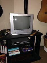 Small tv and table/cabinet Wishart Brisbane South East Preview