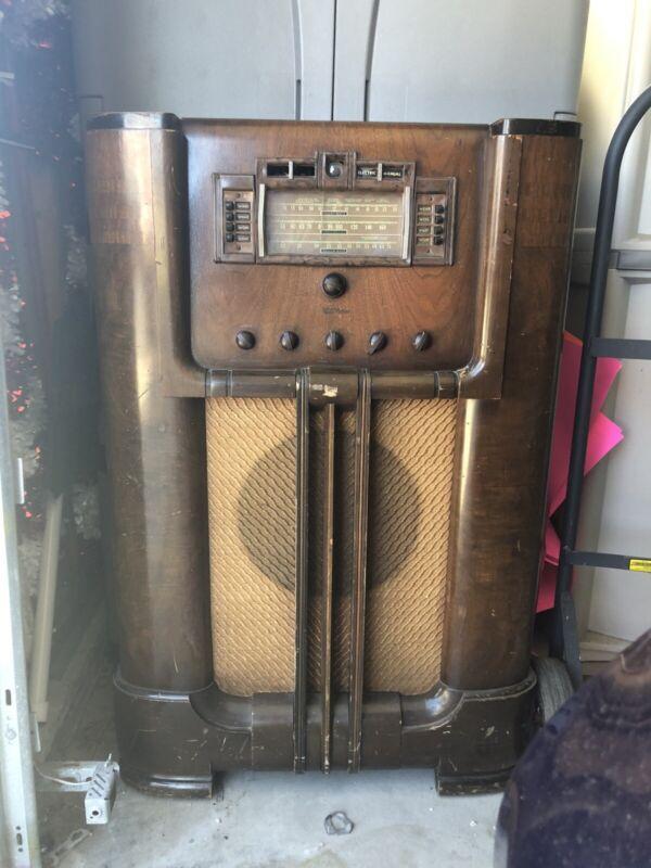 RCA Victor 811K radio