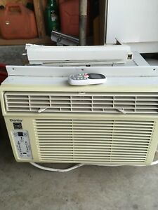 Danby window air-conditioning unit with remote control